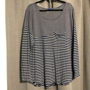 Soft and super thin gray and navy striped tee